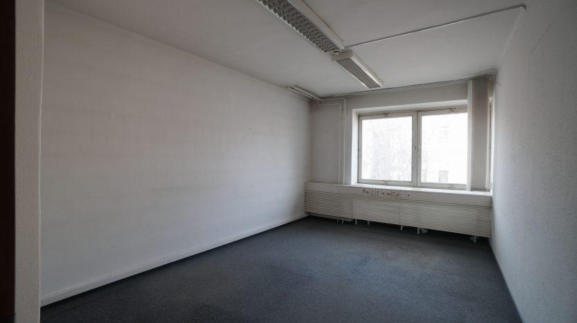2. Emelet Folyosó Vége Kis Iroda