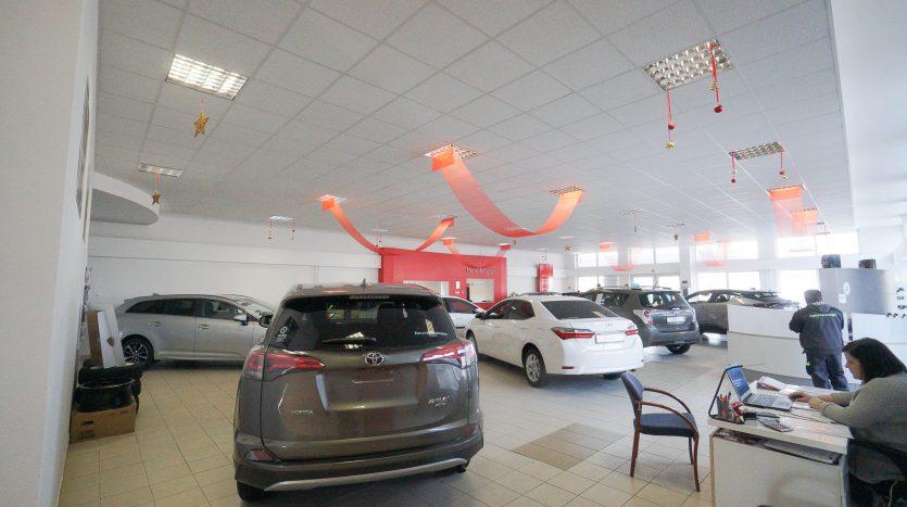 Kiadó Autószalon Miskolcon (2)