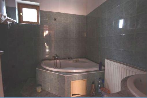 Ujudvar8 Lakás Fürdő