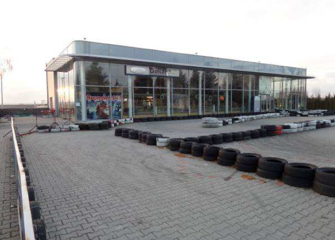 Kaposvár Jutai út Bemutatóterem épület